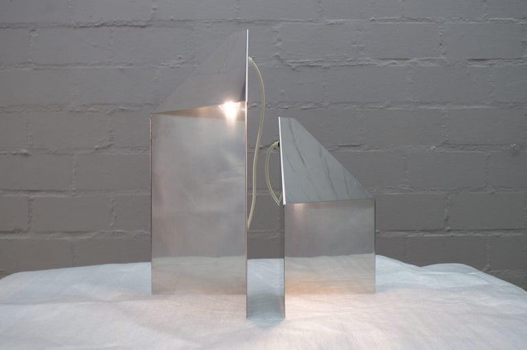 Pair of Elegant Mid-Century Modern Side Table Lamps, 1970s For Sale 1