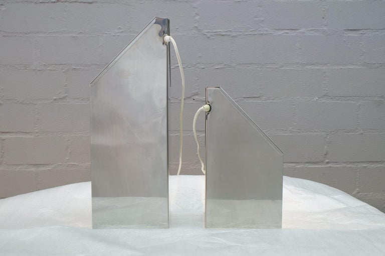 Pair of Elegant Mid-Century Modern Side Table Lamps, 1970s For Sale 2