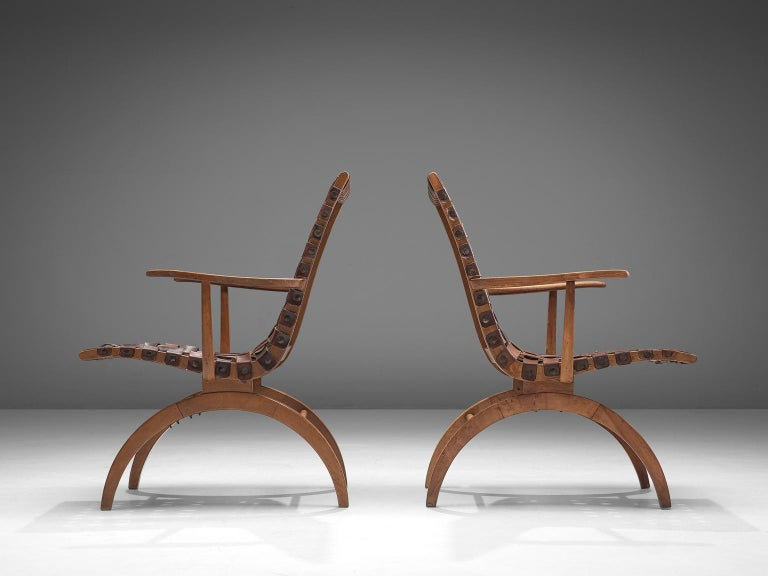 Mid-20th Century Pair of Elegant Spanish Armchairs in Patinated Woven Leather  For Sale