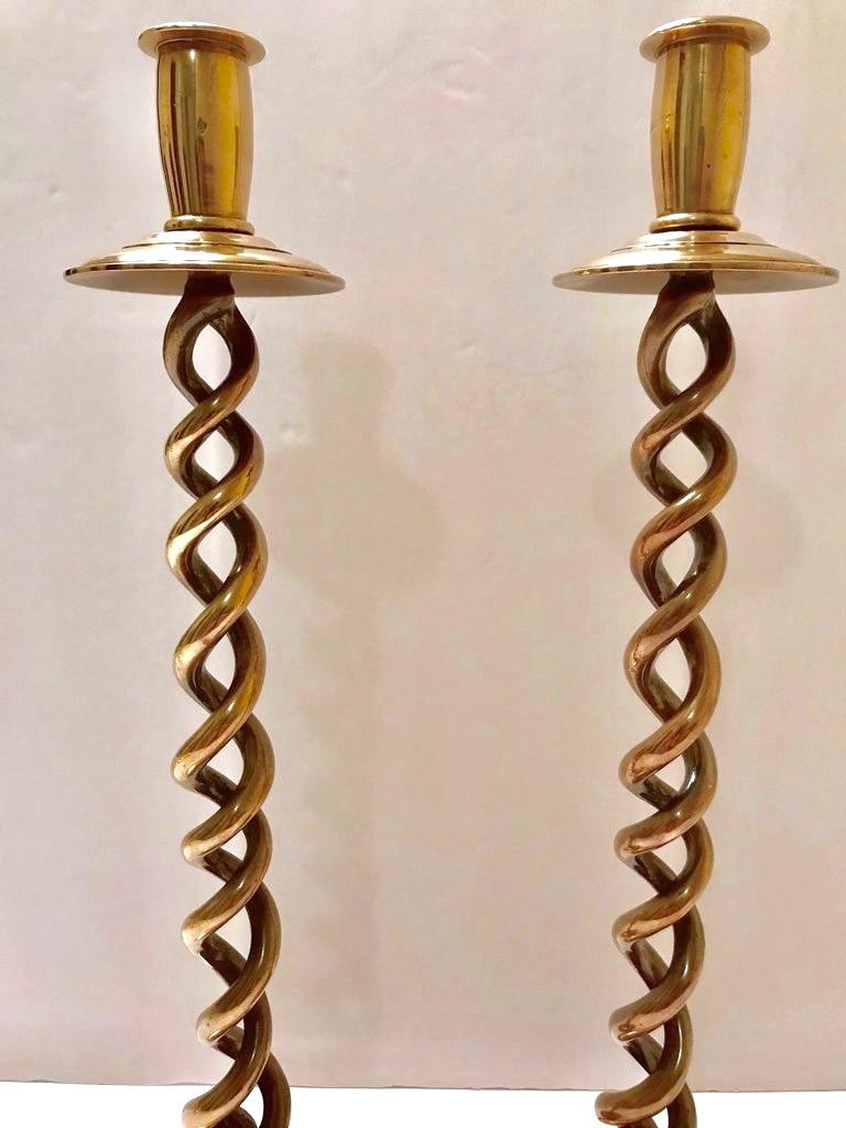 Pair of Elegant Victorian Candleholders in Braided Brass Metal For Sale 2