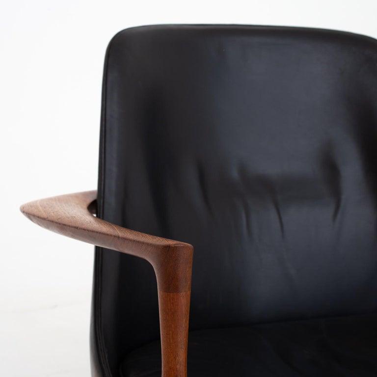 Danish Pair of Elizabeth Chairs by Ib Kofod Larsen