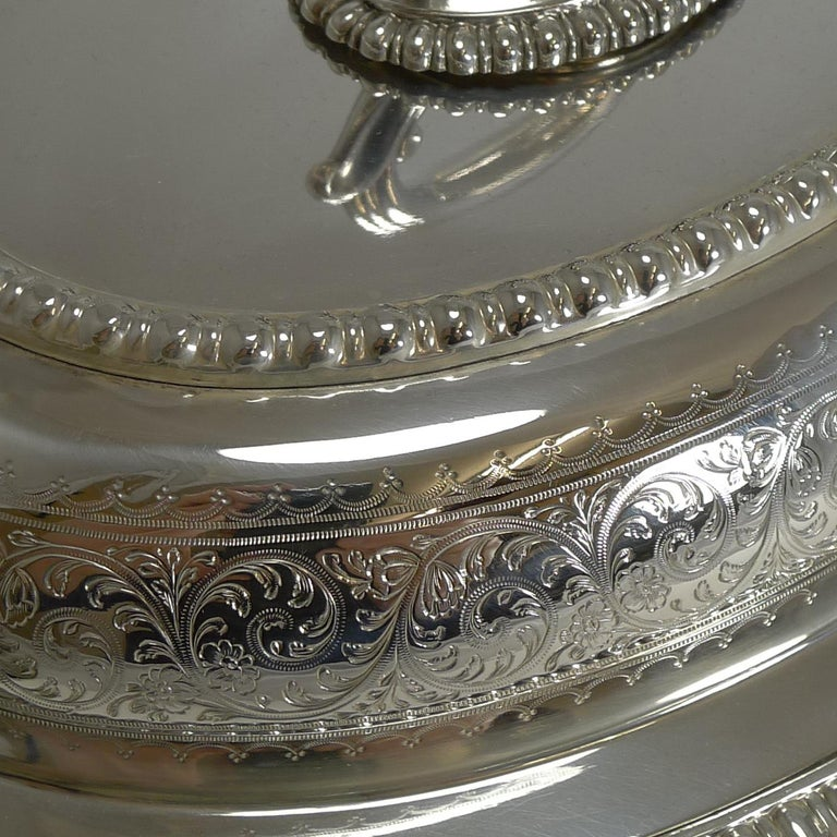 Pair of Elkington Silver Plated Entree/Serving Dishes, 1884 For Sale 4