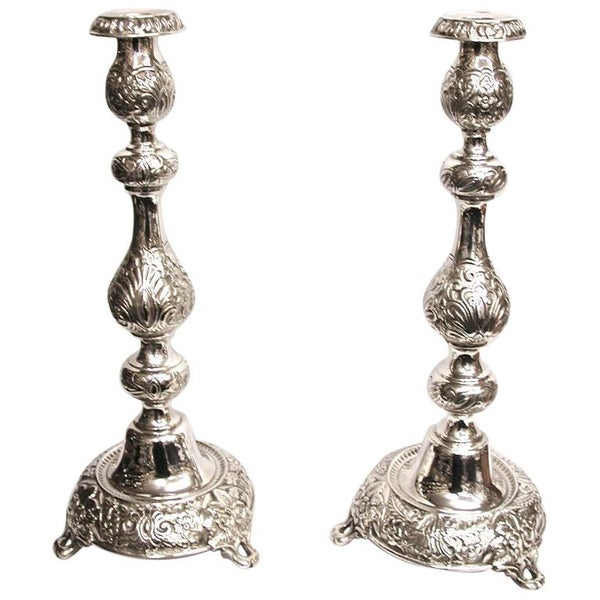 Pair of Embossed Silver Candlesticks, 1902, London Assay, Salkind & Koshr