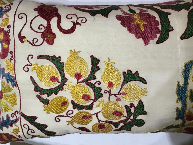 Pair of Embroidery Suzani Pillows For Sale 4