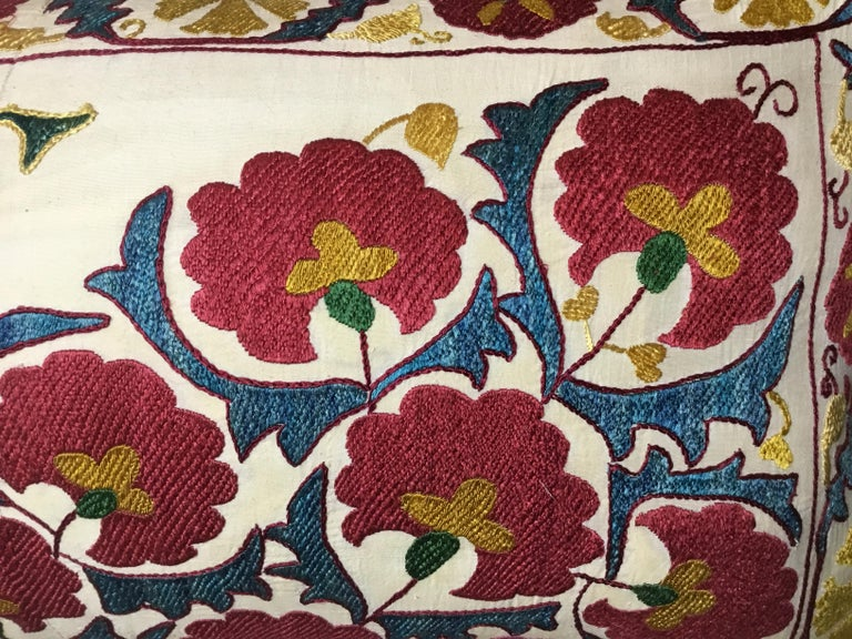 20th Century Pair of Embroidery Suzani Pillows For Sale