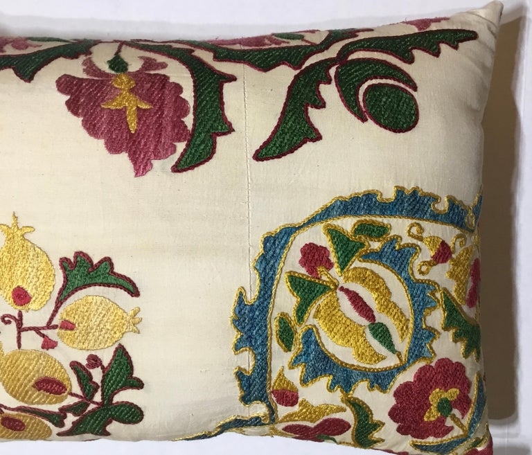 Pair of Embroidery Suzani Pillows For Sale 2