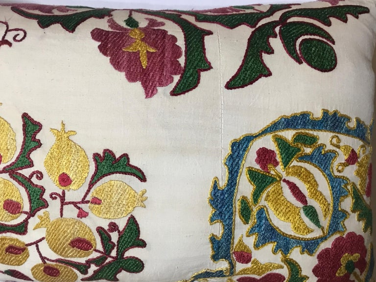 Pair of Embroidery Suzani Pillows For Sale 3