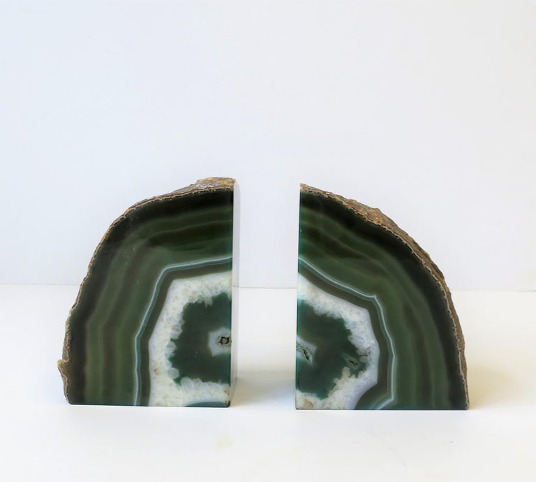 Modern Pair of Emerald Green and White Onyx Bookends For Sale