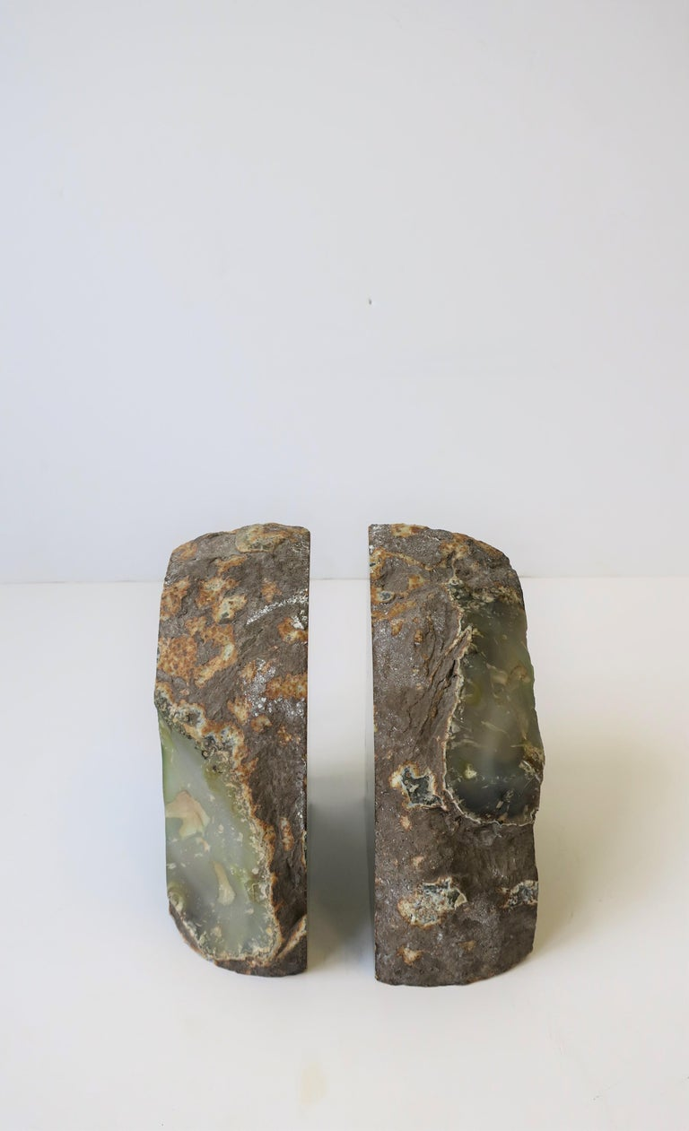 Contemporary Pair of Emerald Green and White Onyx Bookends For Sale