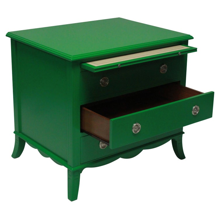 Late 20th Century Pair of Emerald Green Lacquered Chests in the Manner of Dorothy Draper