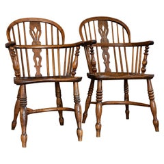 Pair of English 19th Century Windsor Chairs