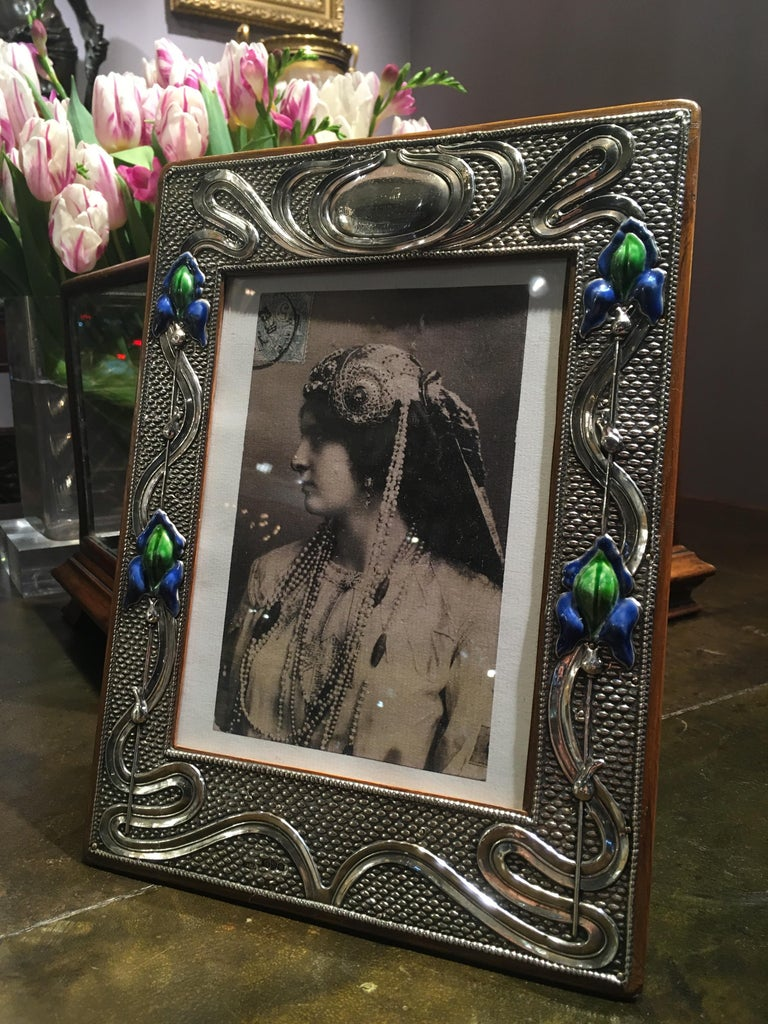 Pair of English 20th Century Art Nouveau Silver and Enamel Photograph Frames For Sale 1
