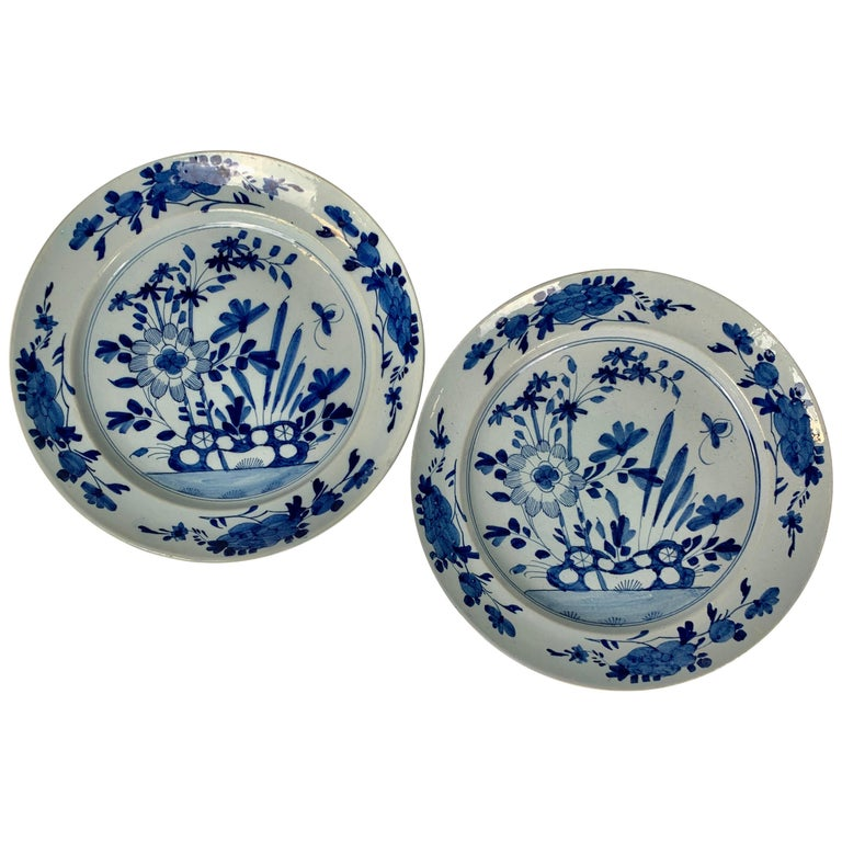 Pair of English Blue and White Delft Chargers Made, Mid-18th Century, Circa 1760 For Sale