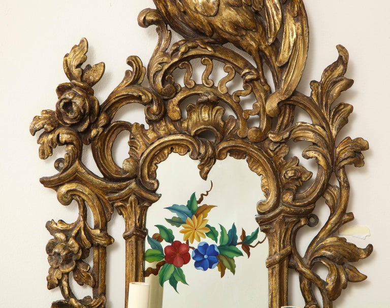 Pair of English Chinoiserie Painted Reverse on Glass Giltwood Mirrored Sconces For Sale 7