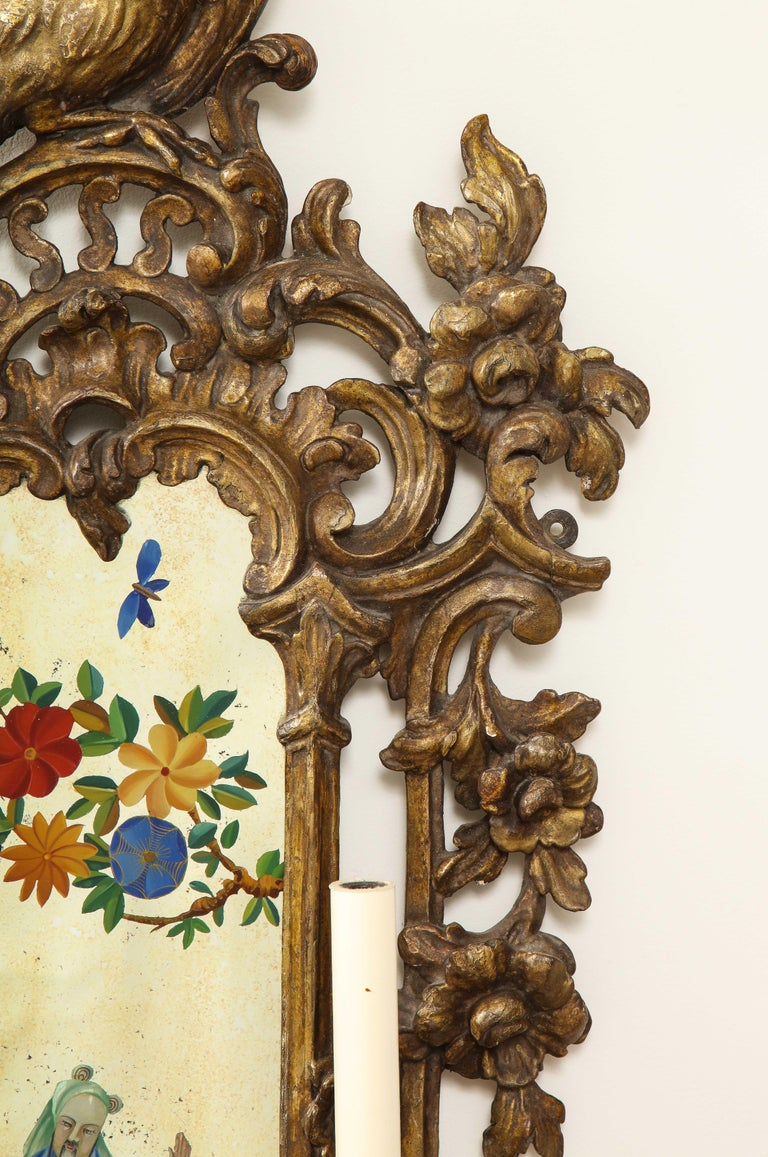 Pair of English Chinoiserie Painted Reverse on Glass Giltwood Mirrored Sconces For Sale 8