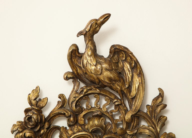 Pair of English Chinoiserie Painted Reverse on Glass Giltwood Mirrored Sconces For Sale 10