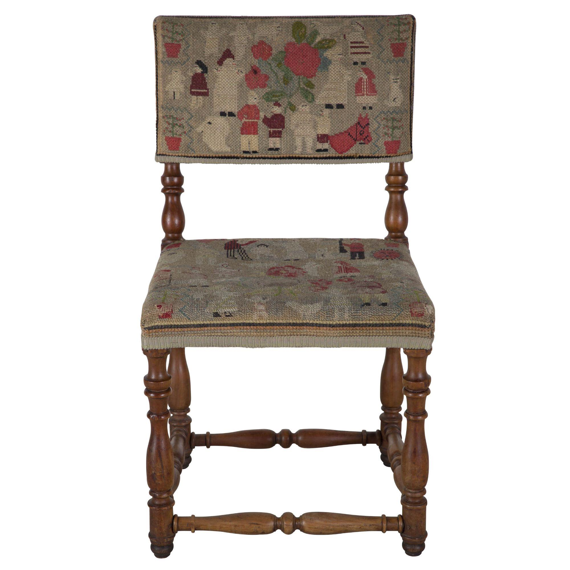 Charmant Pair Of English Country Tapestry Chairs