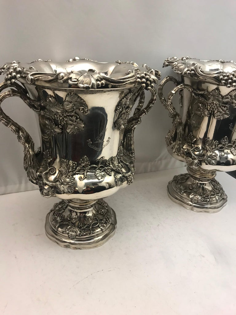 Pair of English Old Sheffield Silver Plate Wine Coolers, 1830 In Good Condition For Sale In London, London
