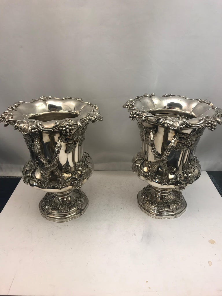Pair of English Old Sheffield Silver Plate Wine Coolers, 1830 For Sale 1
