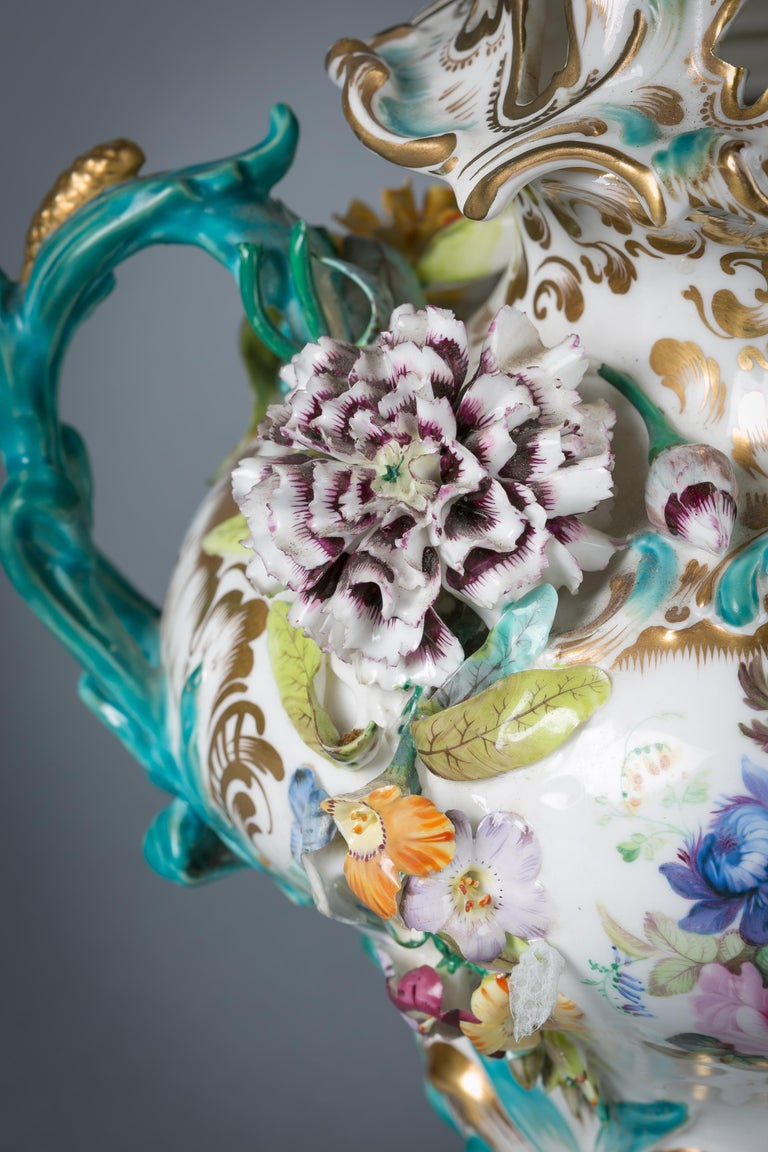 Mid-19th Century Pair of English Porcelain Covered Two-Handled Vases, Coalbrookdale, circa 1835 For Sale