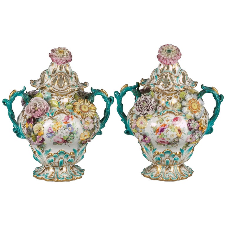 Pair of English Porcelain Covered Two-Handled Vases, Coalbrookdale, circa 1835 For Sale
