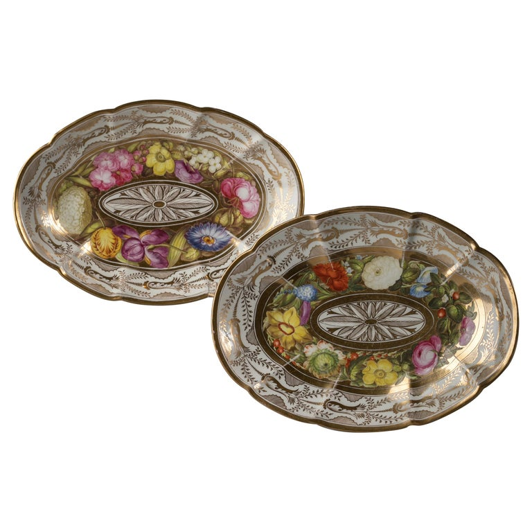 Pair of English Porcelain Dishes, Coalport, circa 1820 For Sale