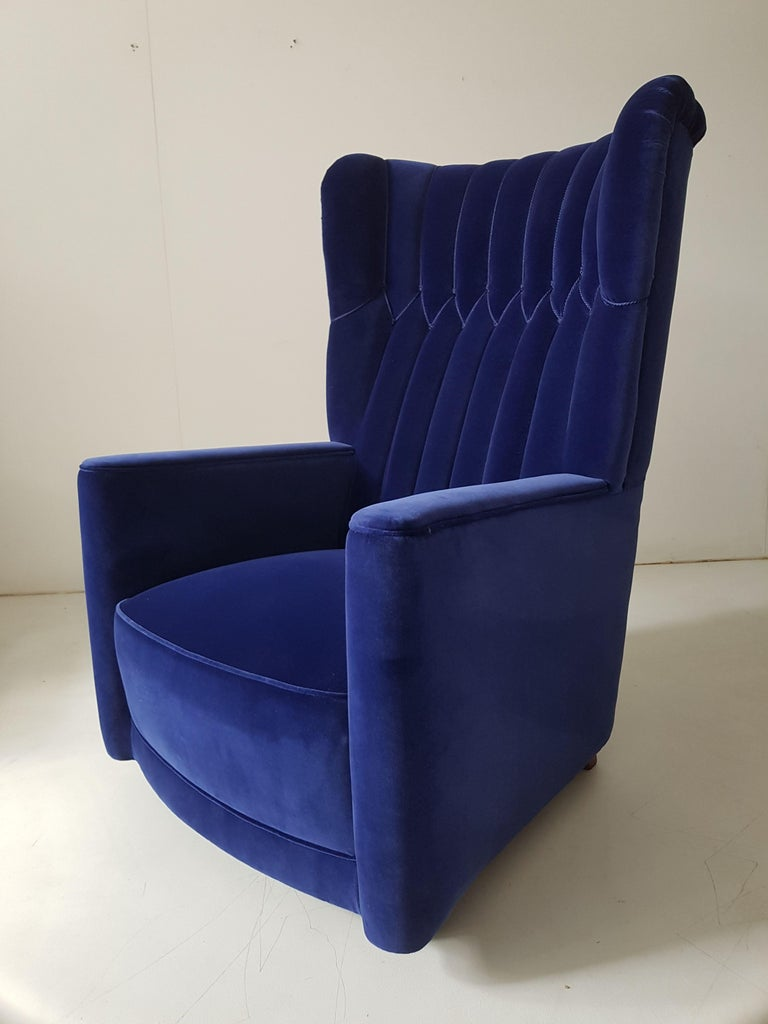Mid-20th Century Pair of  Art Deco Velvet Covered Armchairs attributed to Guglielmo Ulrich For Sale