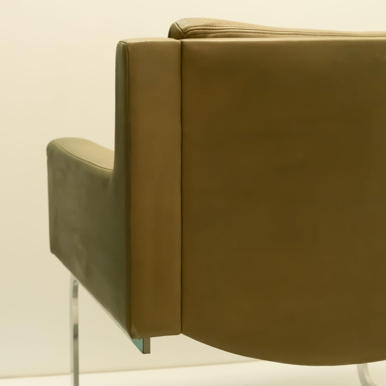 Pair of Executive Armchairs and Hocker by Robert Haussmann for the Sede For Sale 3