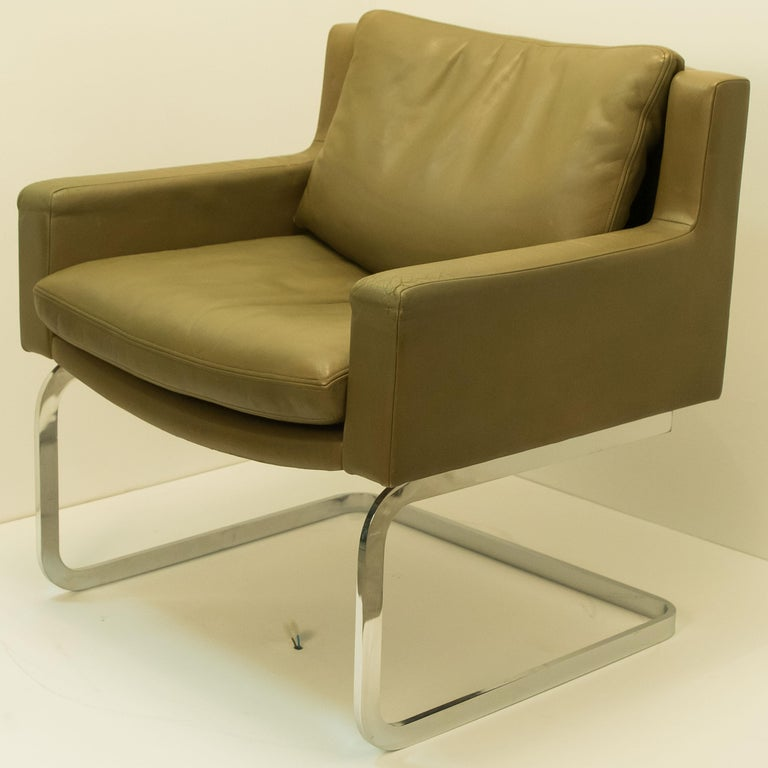 Pair of Executive Armchairs and Hocker by Robert Haussmann for the Sede For Sale 4