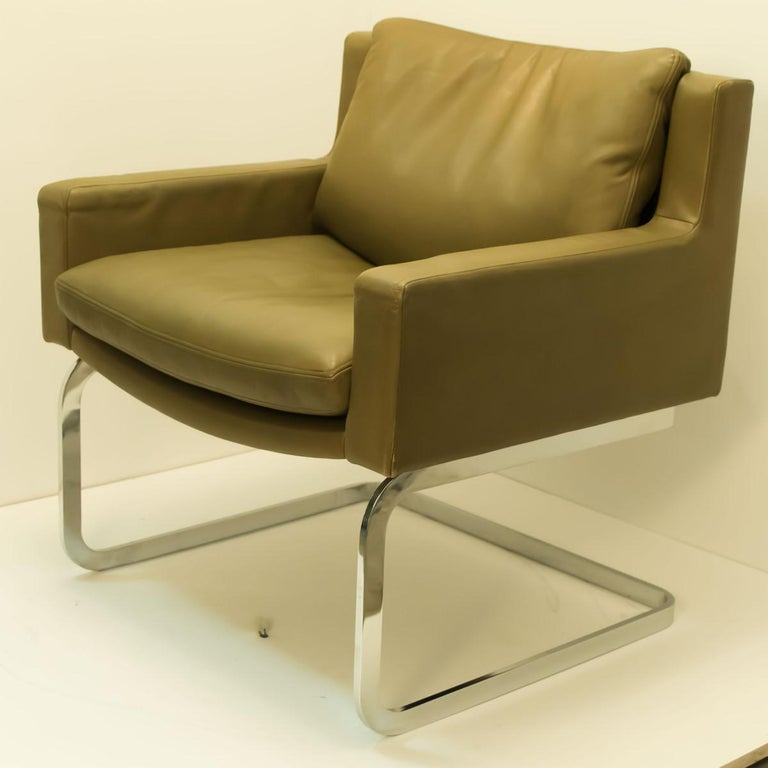 Pair of Executive Armchairs and Hocker by Robert Haussmann for the Sede For Sale 5