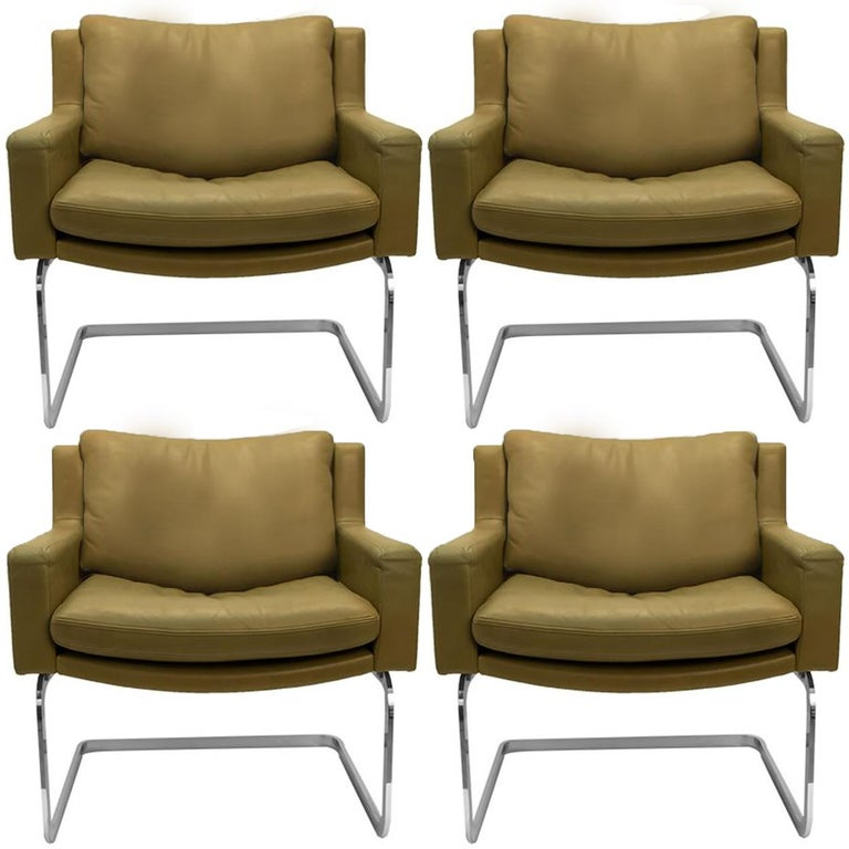 Pair of Executive Armchairs and Hocker by Robert Haussmann for the Sede For Sale 7