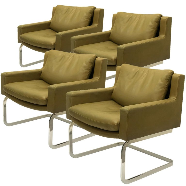 Pair of Executive Armchairs and Hocker by Robert Haussmann for the Sede For Sale 10