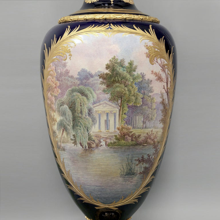 Pair of Exhibition Quality Sèvres-Style Porcelain Vases For Sale 2