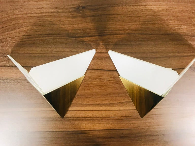 Mid-20th Century Pair of Extraordinarry Triangle Ice Glass Sconces by Kalmar, Austria, 1960s For Sale