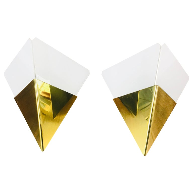 Pair of Extraordinarry Triangle Ice Glass Sconces by Kalmar, Austria, 1960s For Sale