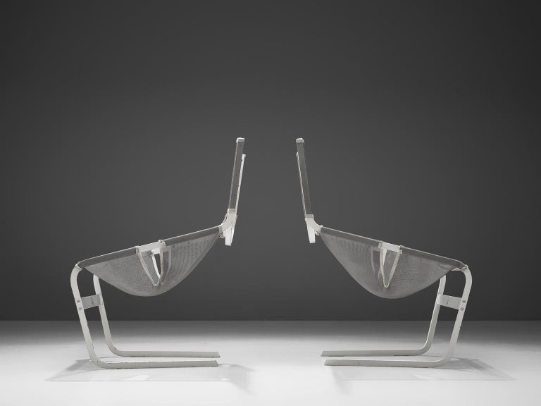 Dutch Pair of F-444 Lounge Chairs by Pierre Paulin for Artifort For Sale