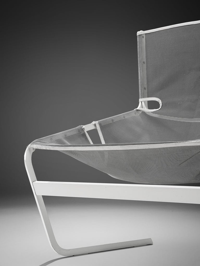 Mid-20th Century Pair of F-444 Lounge Chairs by Pierre Paulin for Artifort For Sale