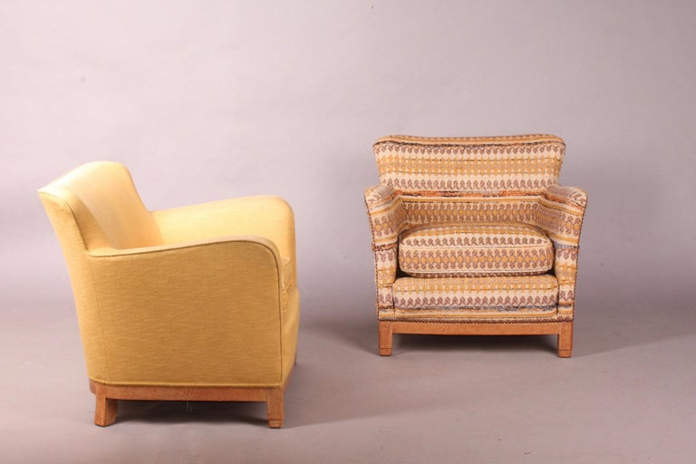 Pair of Fabric Armchairs For Sale 5