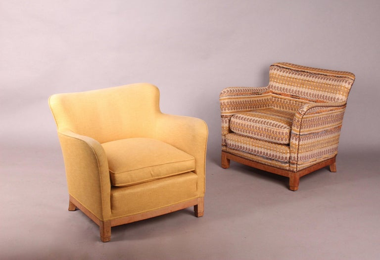 Pair of Fabric Armchairs In Fair Condition For Sale In Meyrin, CH