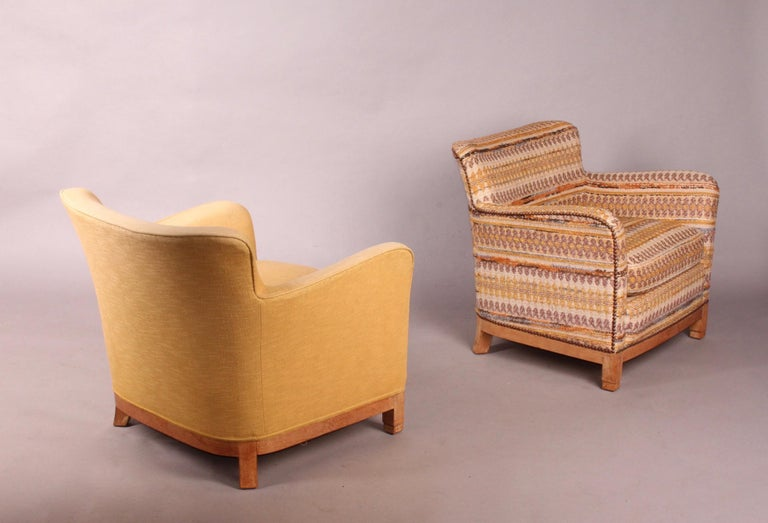Pair of Fabric Armchairs For Sale 1