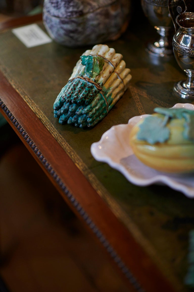 Pair of Faience Asparagus Bundles, France, 18th In Good Condition For Sale In Bamberg, DE