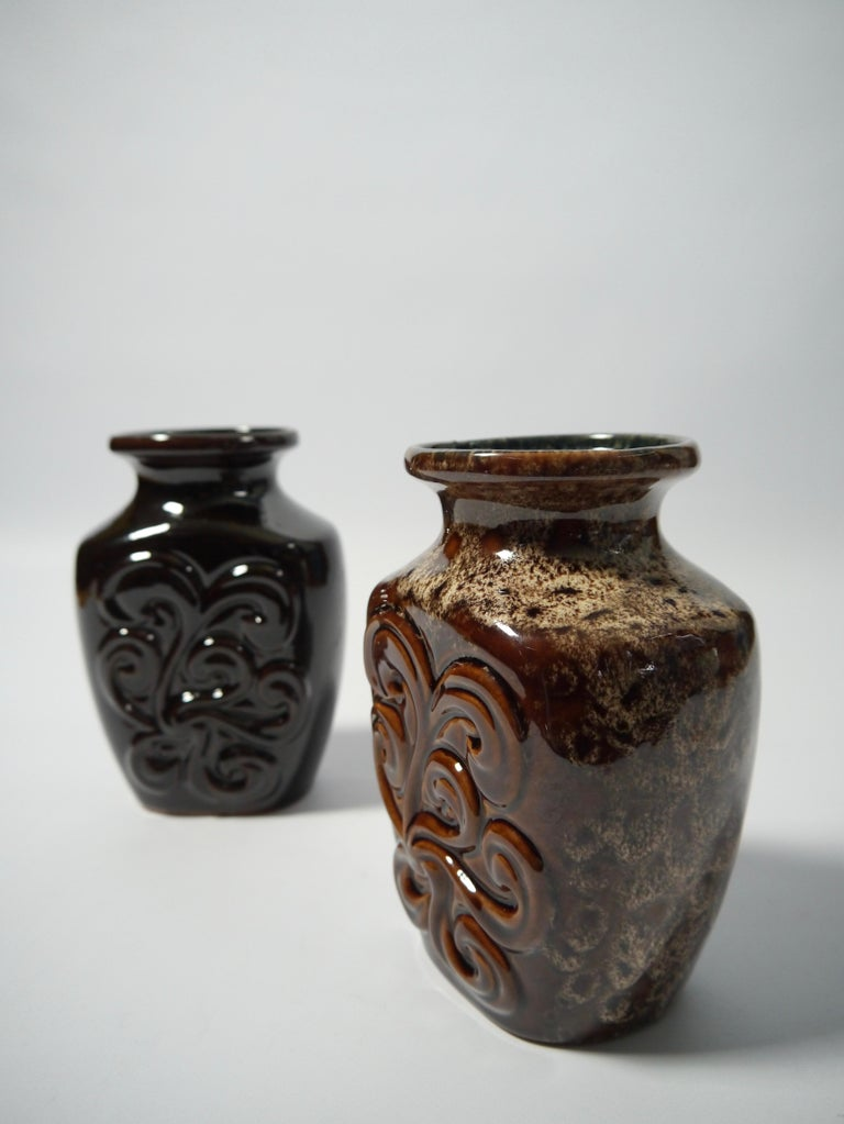 Pair of Fat Lava German Pottery Vases by Strehla, East Germany, 1960s In Good Condition For Sale In Barcelona, ES