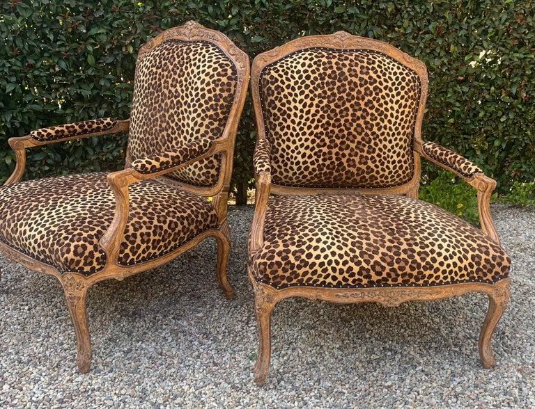 Pair of Fauteuils a La Reine For Sale 4