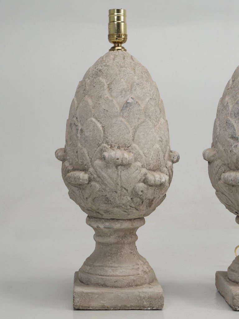 Pair of Faux Stone Lamps in the Form of an Artichoke In Good Condition For Sale In Chicago, IL