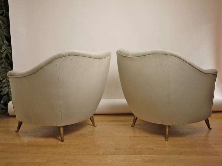 Brass Pair of Federico Munari Mid-Century Modern Gray Velvet Armchairs for Isa For Sale