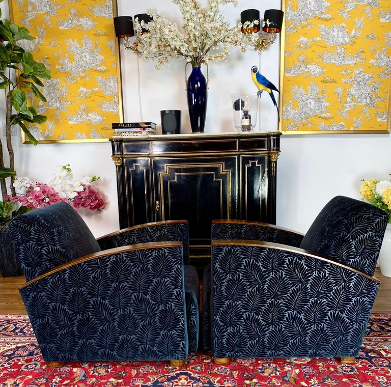 French Pair of Fench Art Deco Club Chairs, Blue Velvet Nobilis, France, circa 1930s For Sale