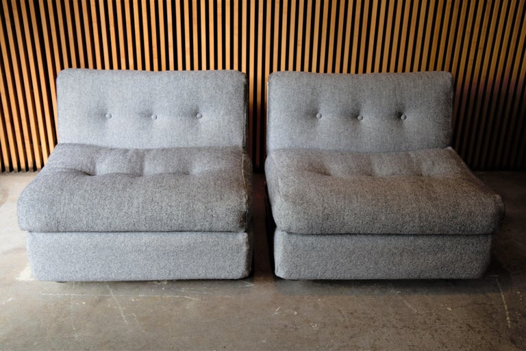 Italian Pair of Fiberglass Amanta Chairs designed by Mario Bellini for B&B Italia For Sale