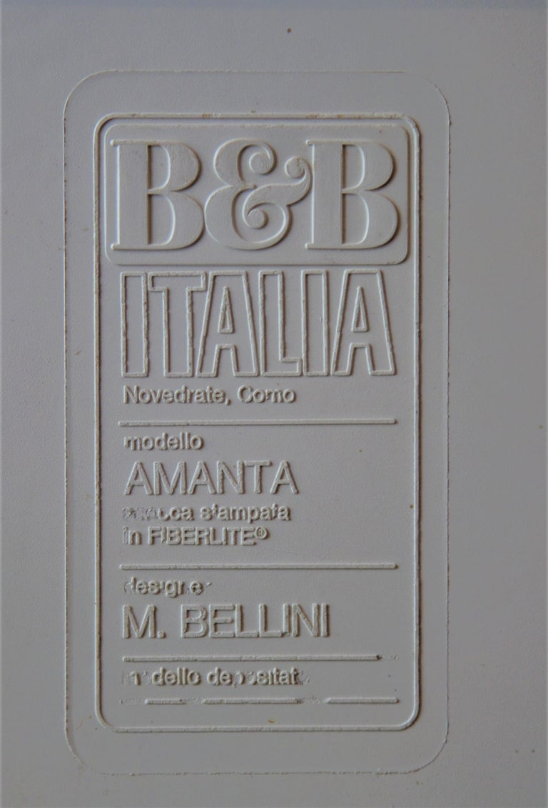 Wool Pair of Fiberglass Amanta Chairs designed by Mario Bellini for B&B Italia For Sale