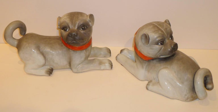 Chinese Export Pair of Fine Lively Modeled Porcelain Dogs For Sale