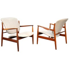 Pair of Finn Juhl France and Daverkosen FD 136 Leather Lounge Chairs